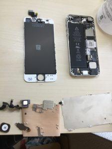 Iphone5のフロントパネル交換対応(2017年08月13日)3